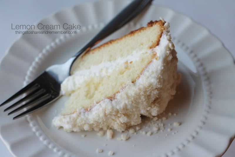 Olive Garden Lemon Cream Cake Copycat recipe