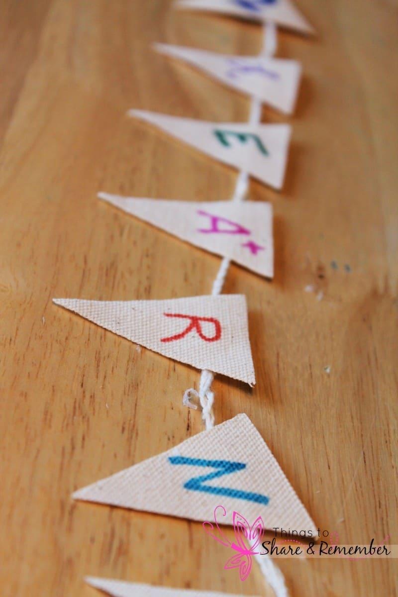 DIY Back to School Marker Wreath #inspirestudents #teacherschangelives #PMedia #ad