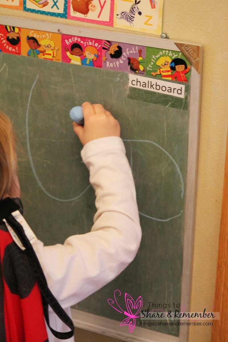 Learning about Ovals #MGTblogger - chalkboard