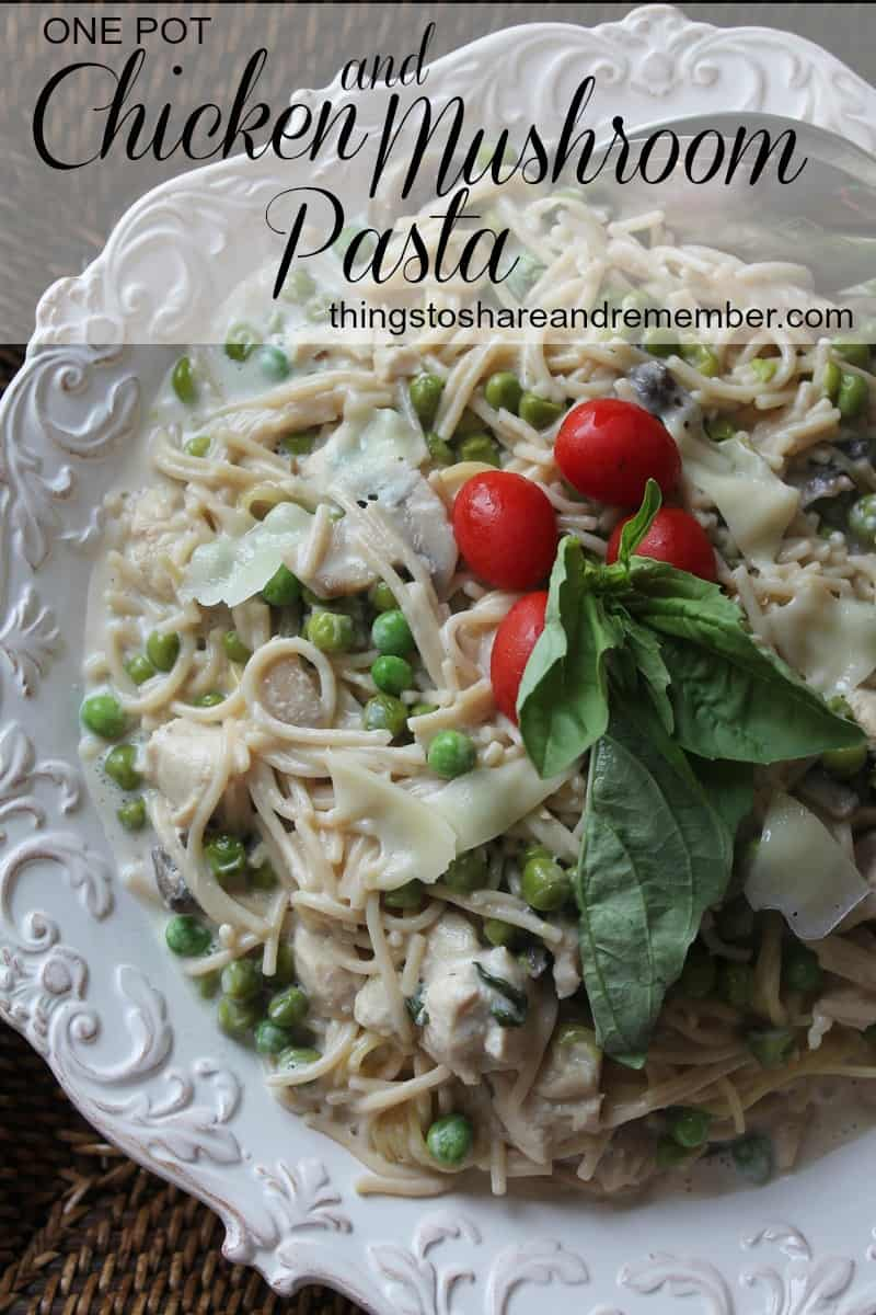 One Pot Chicken & Mushroom Pasta - Quick & easy one pot meal with gluten free pasta #MyPicknSave #Ad