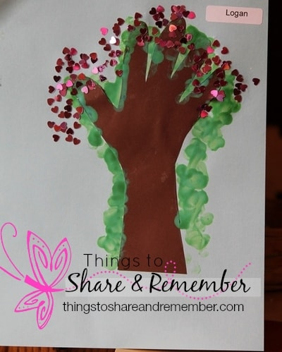 I am special tree preschool art #MGTblogger Encouraging Social Emotional Development in Preschool