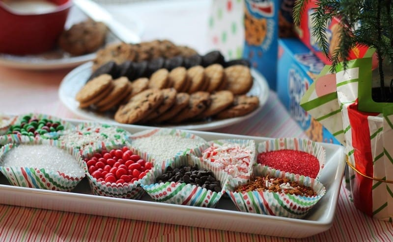 Holiday Gifts & Recipes with OREO, Chips Ahoy!, Nutter Butter, Ritz Cookies and Crackers at Walmart #GiftDeliciously