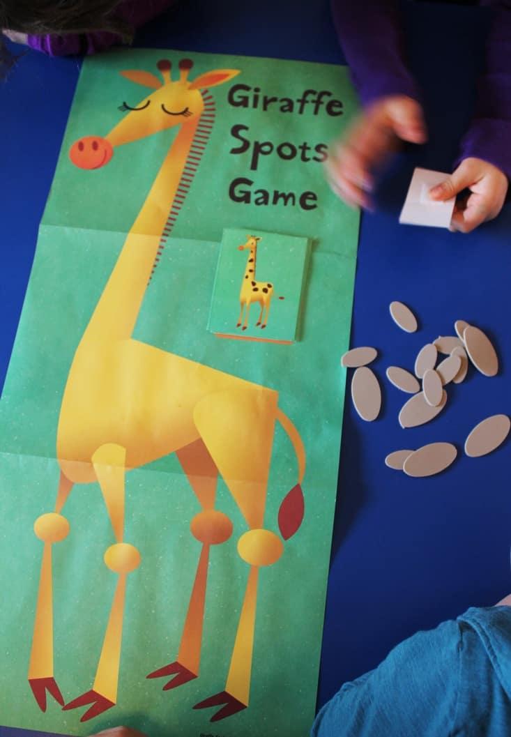 Learning about giraffes -giraffe spots game