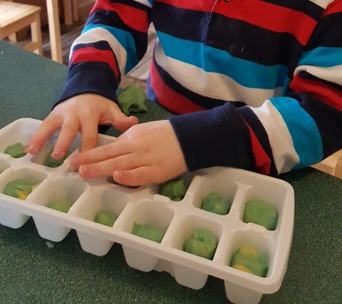 playdough tray