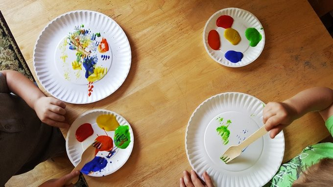 painting with forks in preschool