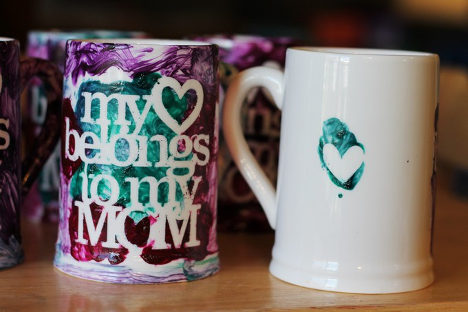 My heart belongs to my mom coffee cups