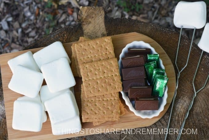 Mint S'mores ingredients