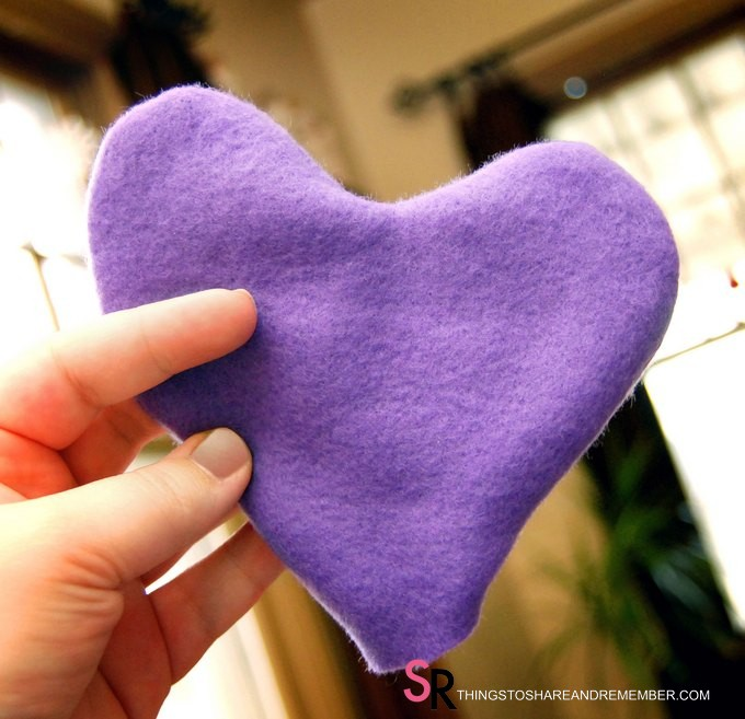 Heart Hand Warmer Tutorial with Printable Gift Label - turn heart shape right side out