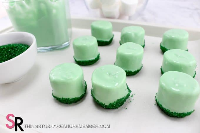 St. Patrick's Day Leprechaun Hat Treats - chocolate covered marshmallows