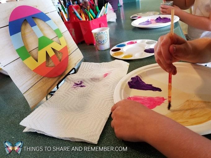 painting paper plates peace symbol preschool art