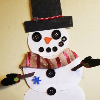 Dress Frosty the Felt Snowman