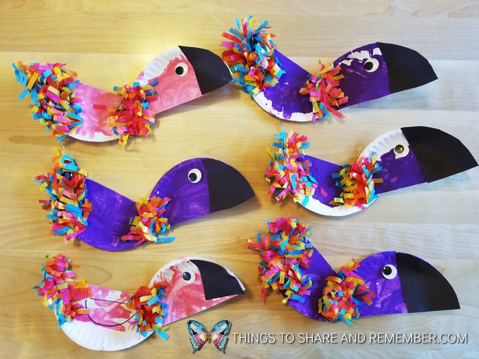 Rainforest paper plate parrots