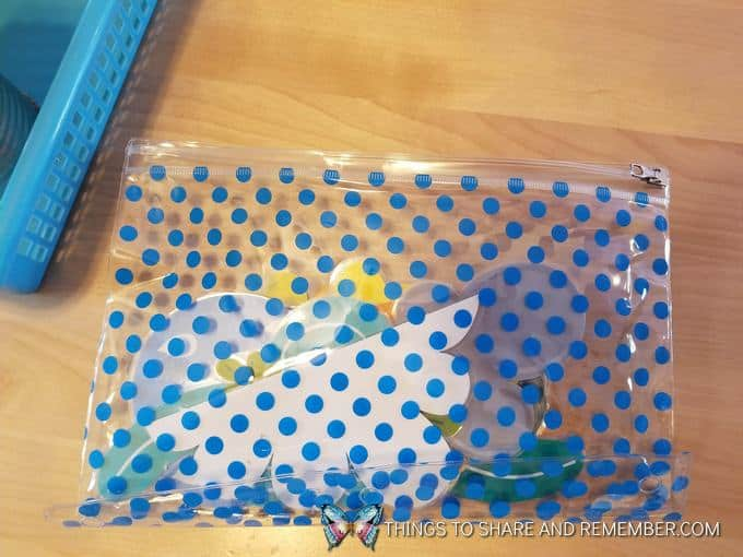 plastic blue polka dot zipper bag for weather pieces at  super fun circle time