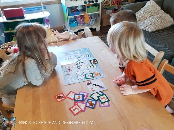 Animal Tracks preschool matching game from Mother Goose Time Sights and Sounds #MGTblogger #MotherGooseTime #preschool #SightsandSounds