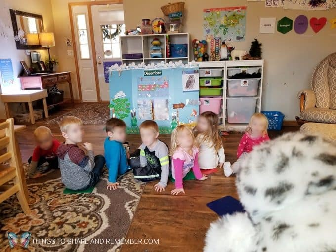 Playing Turn and Look when the owl hoots and identifying names on name tags preschool name recognition activity #MGTblogger #MotherGooseTime #preschool #SightsandSounds