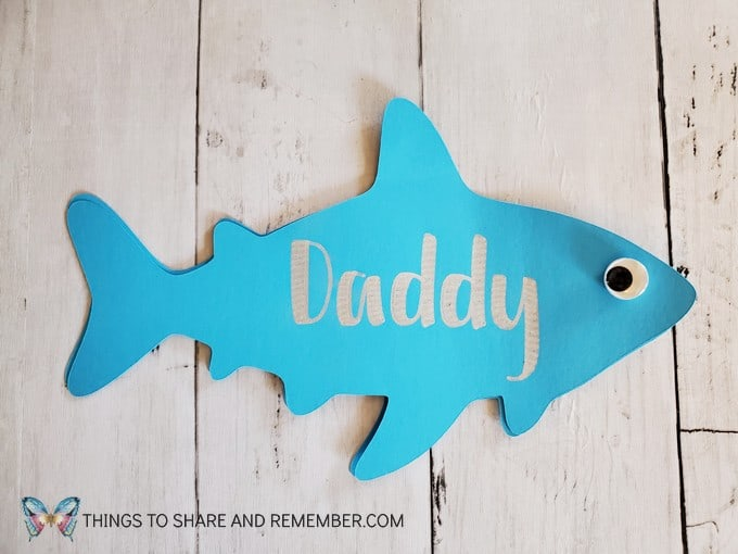 Daddy Shark Father's Day Card Cricut Project front of card