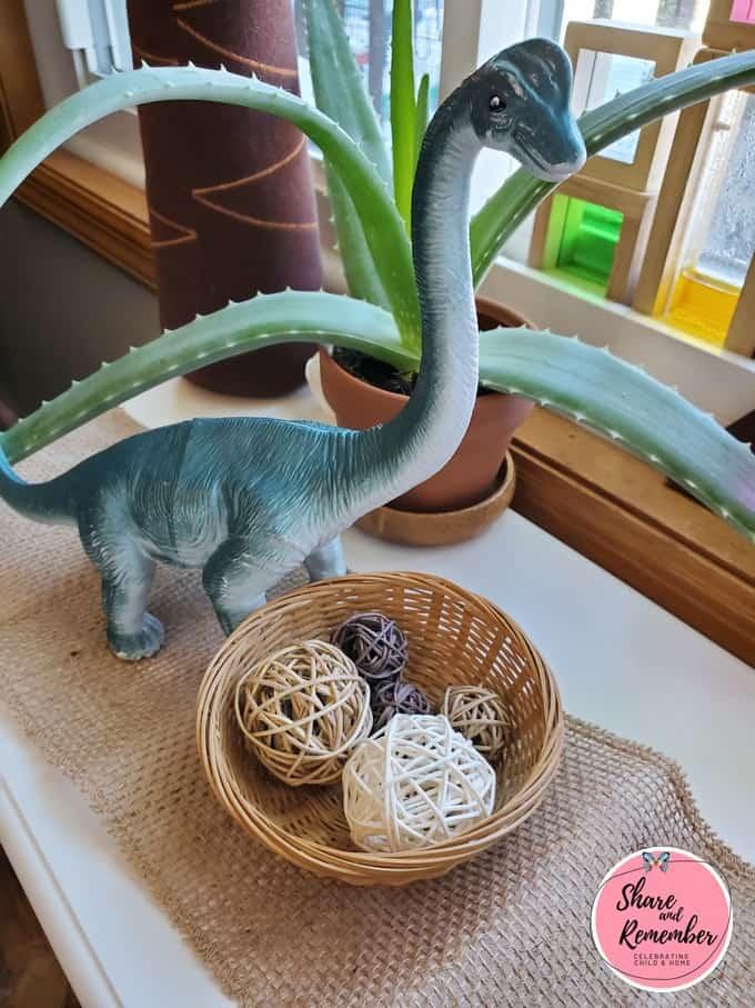 Brontosaurs Dinosaur Habitat Play