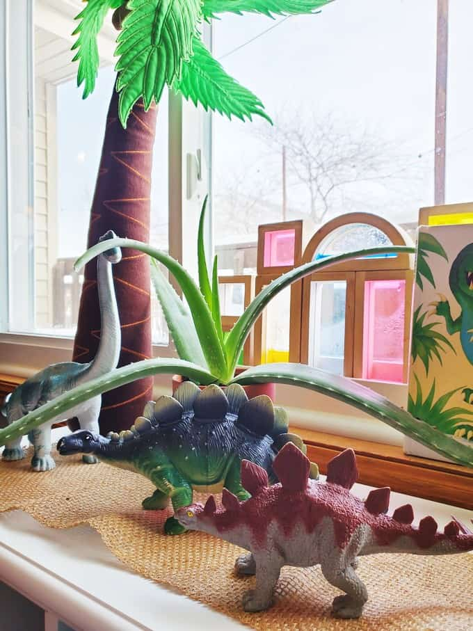 Dinosaur Habitat Play